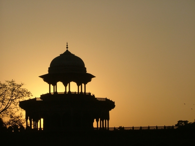 agra fort evening view